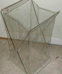 Transparent skittentøykurv