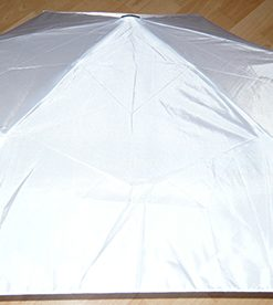 Sammenleggbar paraply hvit med eget navn