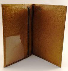Lommebok i brunt svinelær